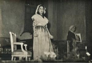 9 - Acte 2, Charlotte et Mme de Bretteville
