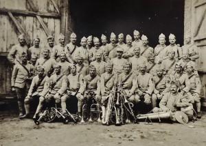 30 - 115e RI. Condé-sur-Marne Août 1917 2e rang 5e en partant de la droite (2)